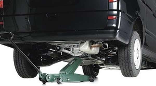 Виды подкатных домкратов для грузовых и легковых автомобилей